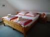 rechtes Schlafzimmer